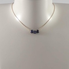 Collier chaine plaqué or 3 perles d'eau douce noires rondes baroques