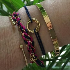 Cord bracelet gold plated three small rings