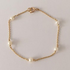 Chain bracelet gold plated five small white freshwater pearls