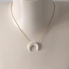 Collier chaine plaqué or Corne nacre blanche