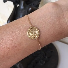 Chain bracelet gold plated small ethnic medal