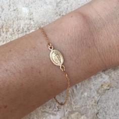 Bracelet chaine plaqué or petite médaille vierge