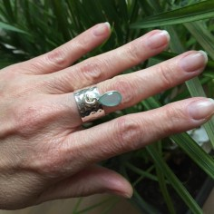 Hammered flat large ring silver 925 light green calcedony drop
