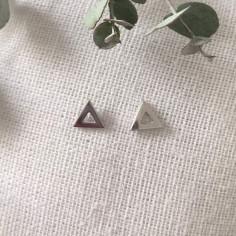 Boucles d'oreilles petits triangles argent