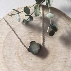 Collier chaine argent Croix nacre grise facetée