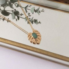 Aventurine leaf medal chain necklace gold plated