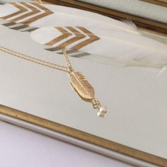 Small feather chain necklace gold plated