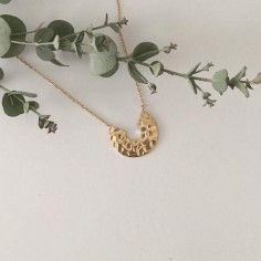 Hammered open target chain necklace gold plated