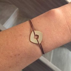 Man gold plated square target cord bracelet