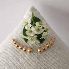 Six beads earcuffs gold plated