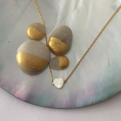 Small white mother of pearl heart chain necklace gold plated