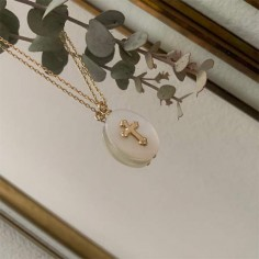 Chain necklace gold plated mother of pearl with cross