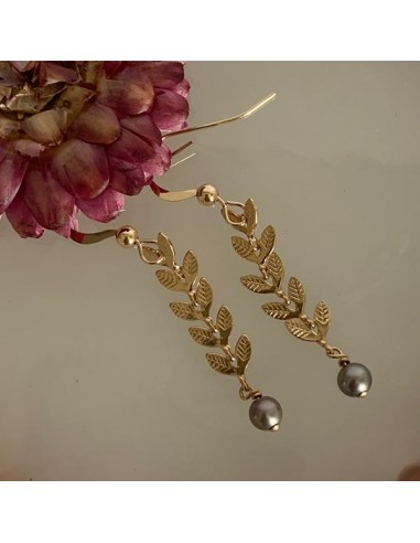 Gold plated laurel earrings with grey...