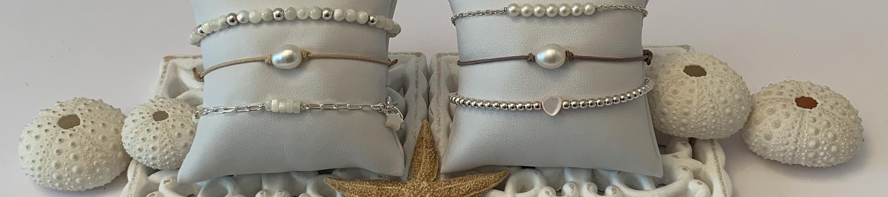 Freshwater pearls and shell Bracelets